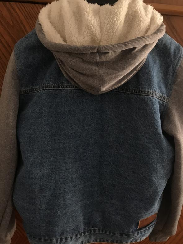 Kurtka jeansowa Pull&Bear...