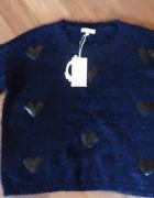 nowy sweter w serca