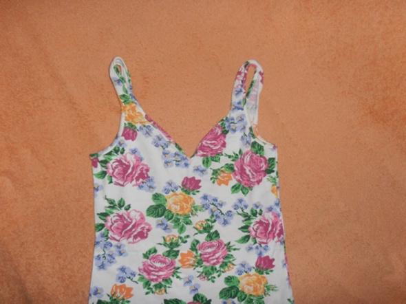 Tunika bluzka dopasowana w kwiatki