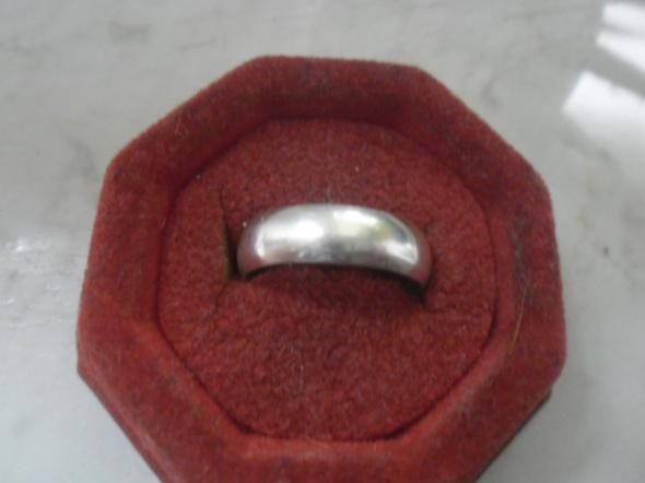 Klasyczna srebrna wypukła obrączka