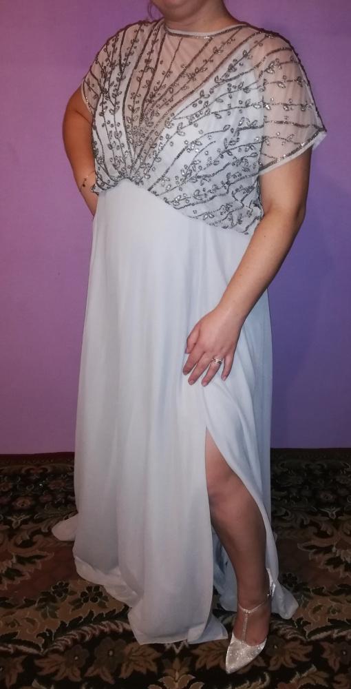 Piękna wieczorowa długa suknia błękitna cekiny 46 48