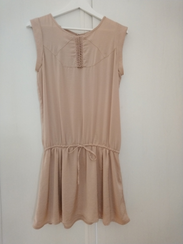 Sukienka przed kolano L Pull&Bear