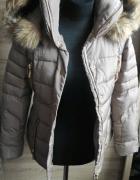 Beżowa kurtka zimowa...