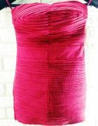 czerwona sukienka na ramkach
