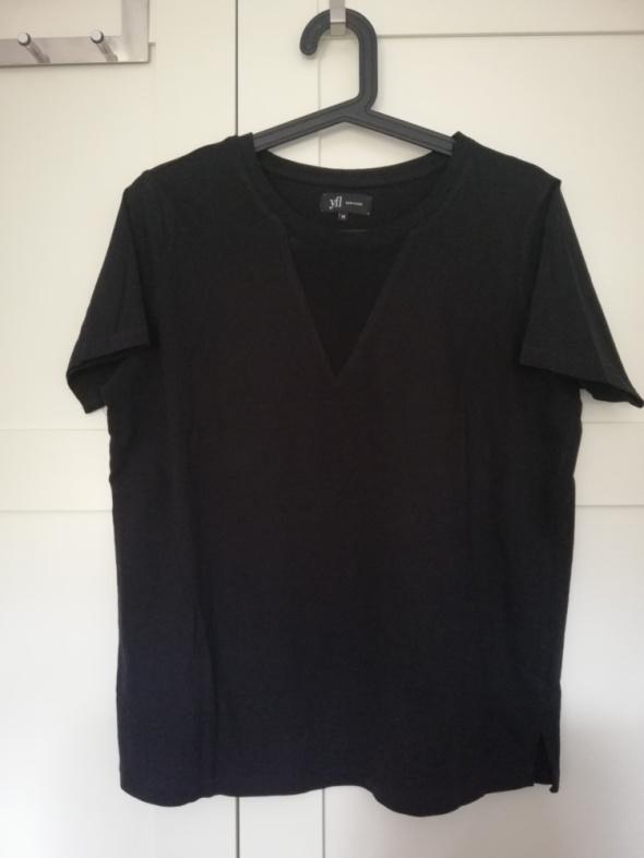 Czarna koszulka dekolt z siateczką...