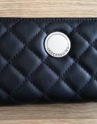 Duży czarny portfel damski CCC