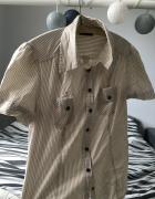 Koszula w paski z krótkim rękawem...