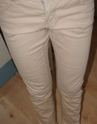 Spodnie rurki beżowe
