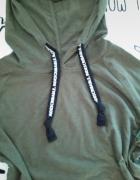 Bluza z kapturem ciemnozielona...