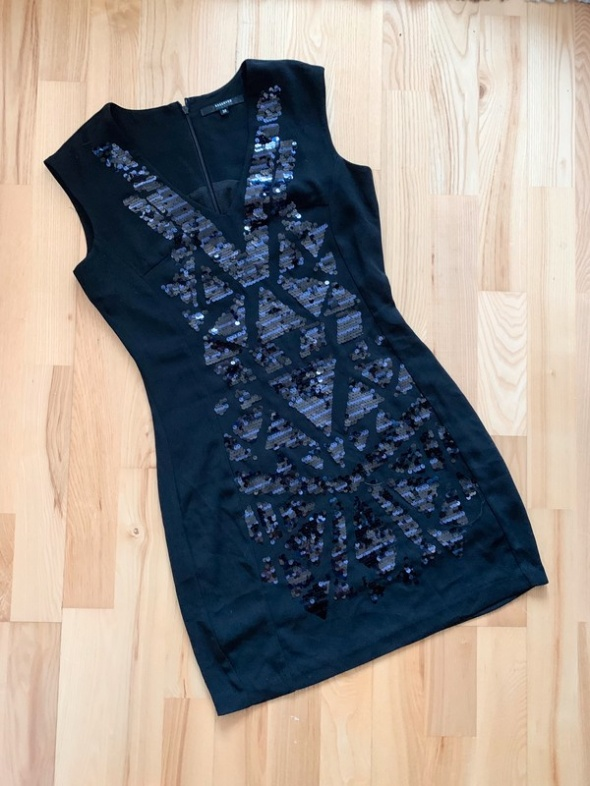 Reserved klasyczna sukienka mini czarna aplikacja S...