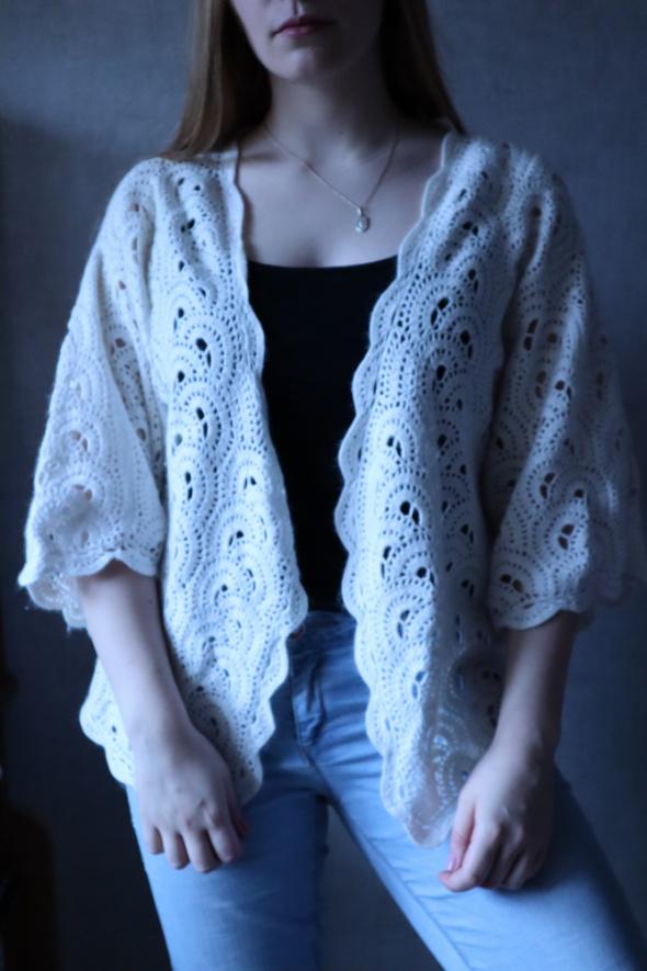 Biały tkany sweter Whim