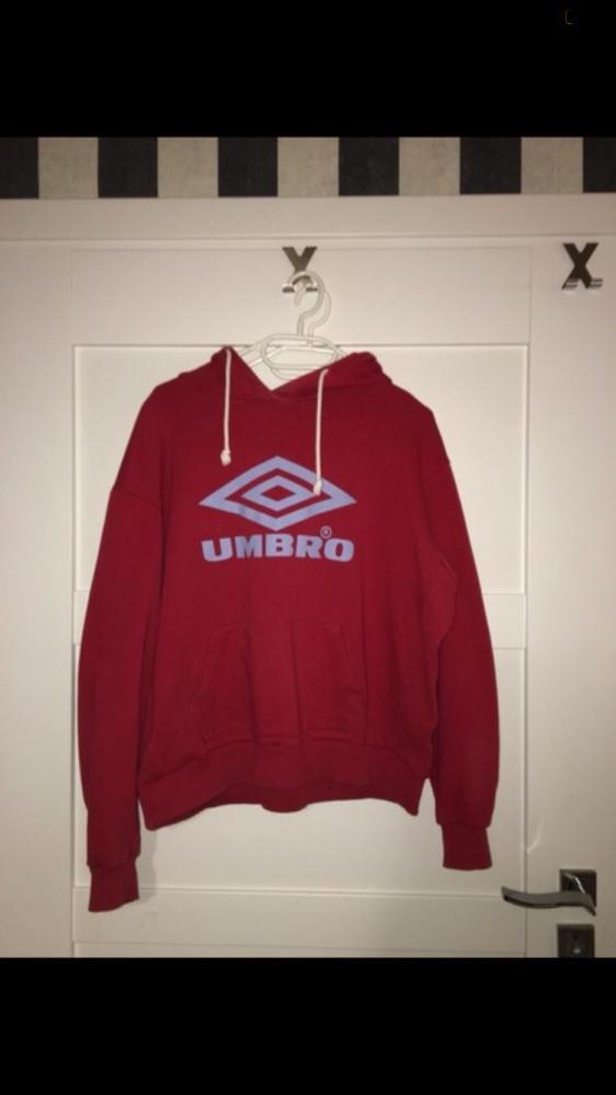 Czerwona bluza Umbro