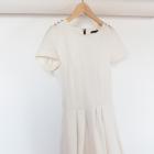 Sukienka kremowa asymetryczna rozkloszowana z rękawkiem rękawem rozmiar M