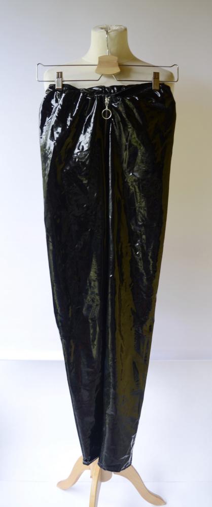 Legginsy Legginsy Latex Czarne NLY One M 38 Spodnie Rurki Czerń
