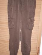 Letnie spodnie bojówki C&A...