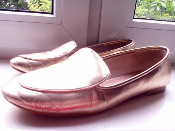 złote buty balerinki baleriny baletki stradivarius