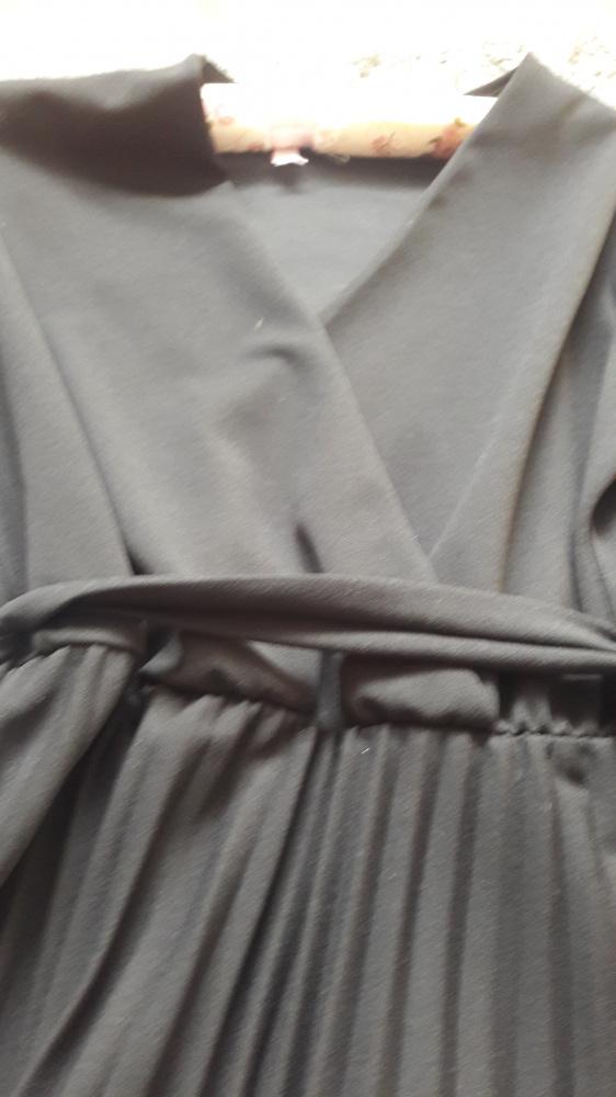 Elegancka plisowana suknia