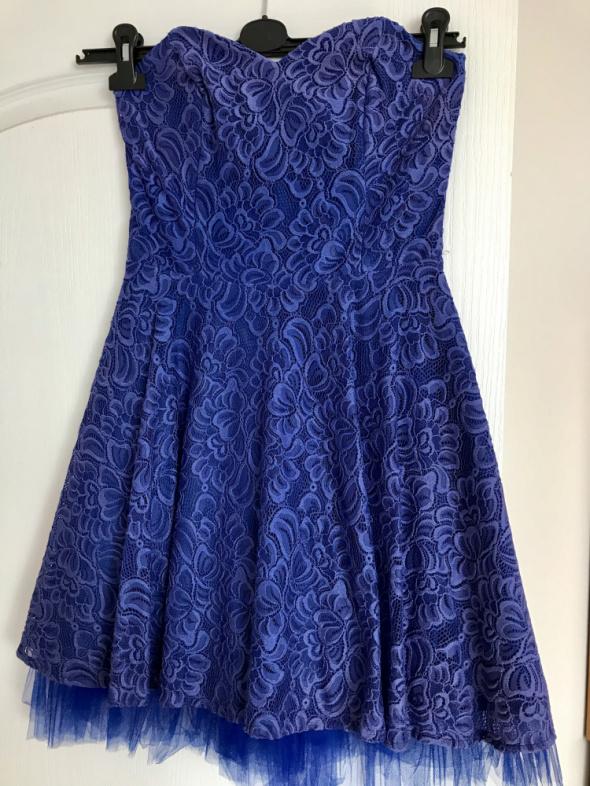 Sukienka Sisi w kolorze chabrowym...