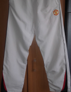 Unikatowe spodnie dresowe Manchester United rozmiar L...
