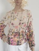 Beżowa bluzka w kwiaty...