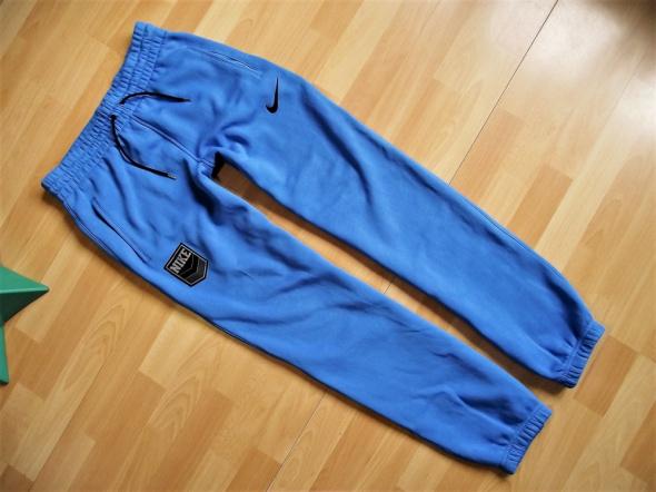 Nike Sportswear ciepłe spodnie dresowe M