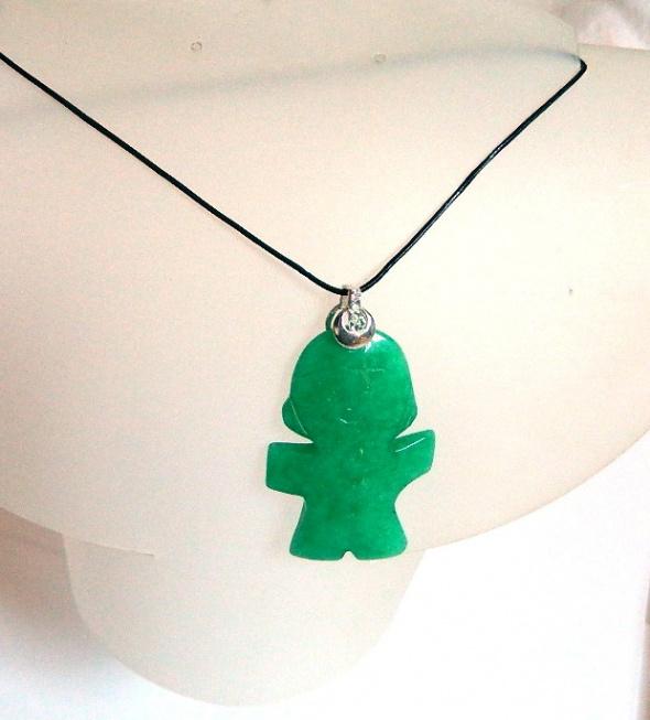 Jadeit chiński zielony kamień unikatowy wisiorek