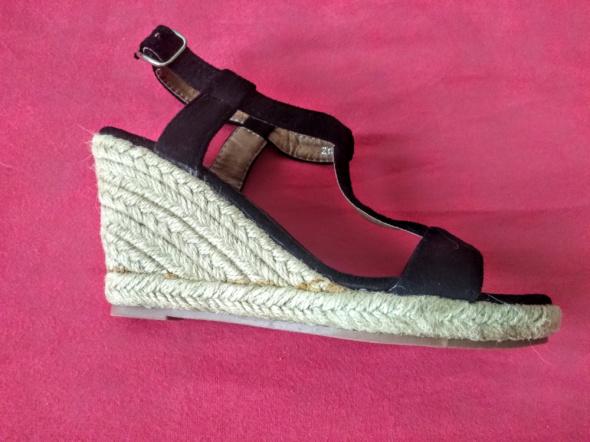 Nowe sandałki espadryle na koturnie 36