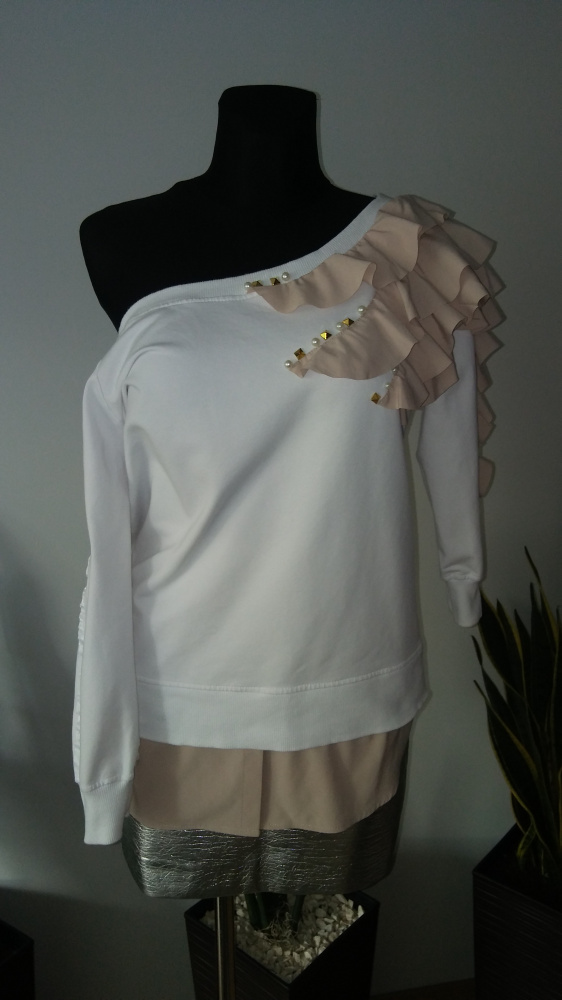 Bluza z falbankami By o la la