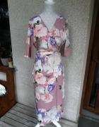 Sukienka w kwiaty krój kimono wiązana Happy Holly 44 46...