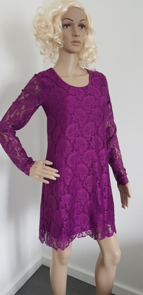 Nowa koronkowa sukienka...