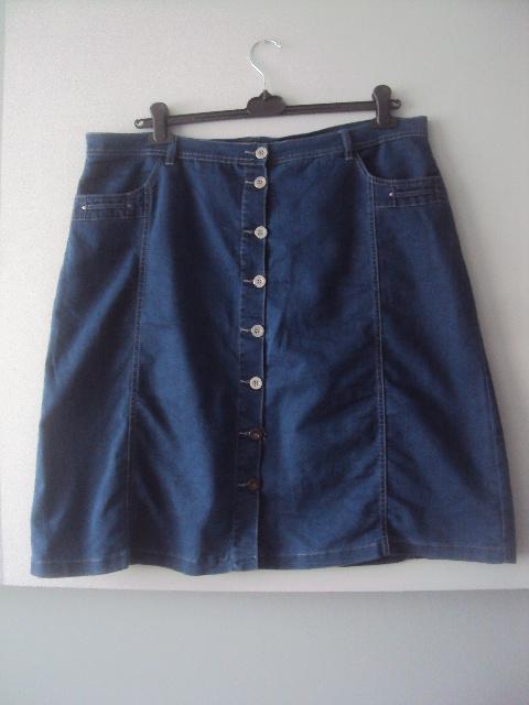 rozpinana jeasnowa spódnica