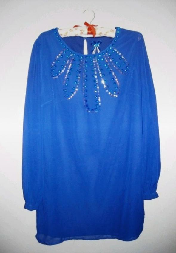 Elegancka chamstwa sukienka z cekinami tunika mgiełka