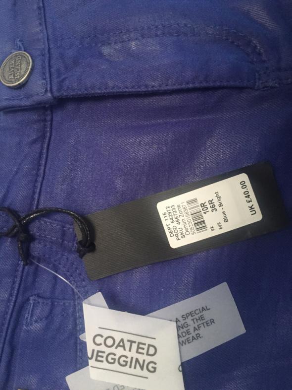 Spodnie River island Molly Niebieskie woskowane krój jeansów...