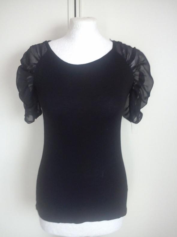 Czarna bluzeczka rekawy mgielka
