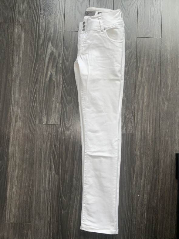 Vero Moda Białe jeansy wysoki stan