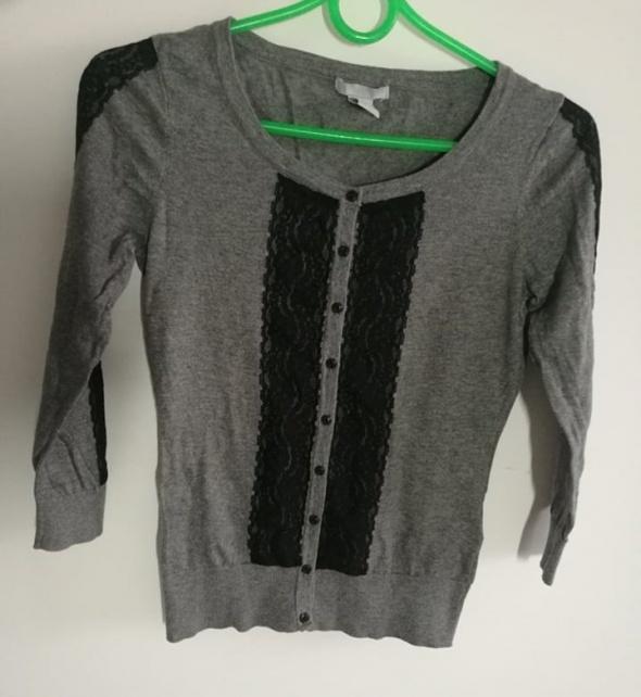 szary sweterek H&M zapinany na guziki XS