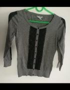 szary sweterek H&M zapinany na guziki XS...