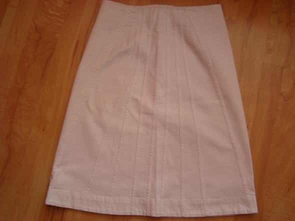 Biała spódniczka S