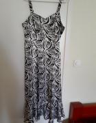 Sukienka w ciekawe wzory...