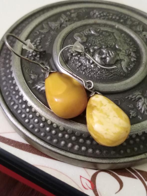 Żółte bursztynowe