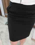 Spódnica czarna ołówkowa midi...