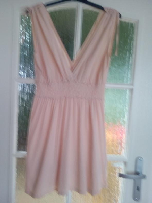 Swietna morelowa sukienka