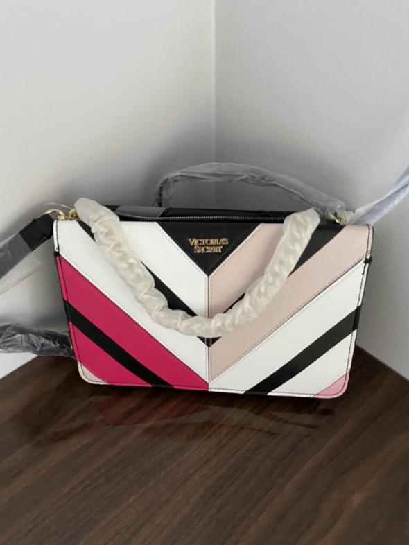 Torebki na co dzień Nowa torebka torba Victoria s Secret czarna kolorowa na ramię