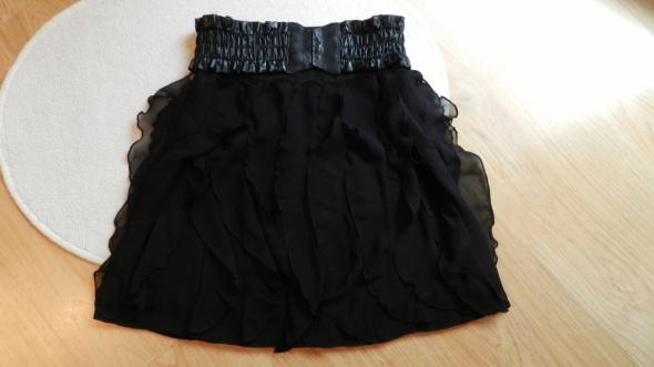 Elegancka czarna spódnica mini Carry...