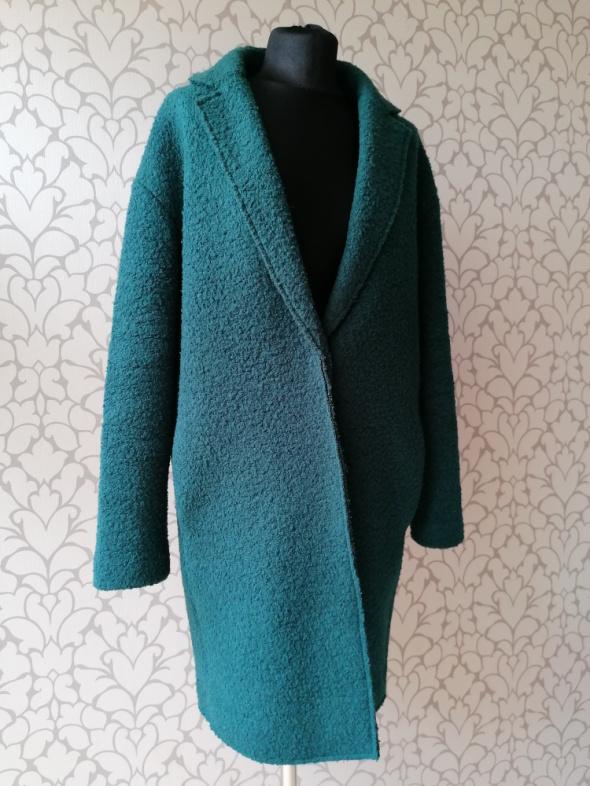 Zielony płaszcz o prostym kroju z zapięciem minimalizm basic retro vintage Promod 38 36