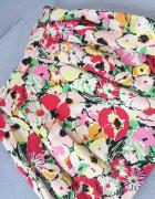 wiosenna spódniczka zakładki tulipan...