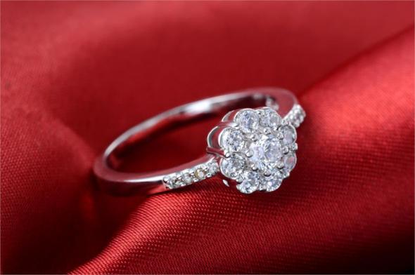 Pierścionki Nowy pierścionek srebrny kolor kwiat kwiatek cyrkonie białe