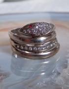 Srebrny pierścionek Żmija rubiny
