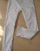 Białe jeansy rozmiar L