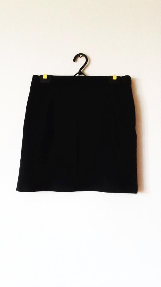 Czarna elegancka spódnica mini klasyczna biuro